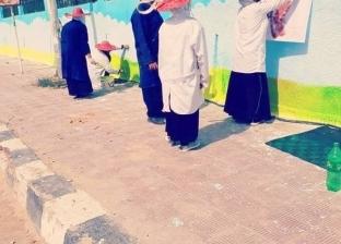 استعدادا لأعياد سيناء.. طلاب يزينون حديقة الحيوان والنصب التذكاري