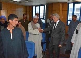محافظ المنيا يستبعد مدير مكتب تموين في بني مزار لتخاذله مع البقالين