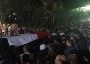 """أهالي """"صان الحجر"""" يشيعون جثمان المجند عبد الفتاح رضا شهيد حادث العريش"""