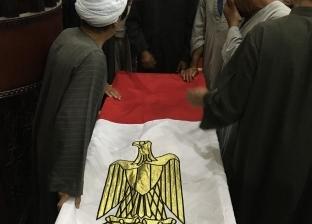 محافظ سوهاج يصلي الجنازة على شهيد الواجب في شمال سيناء