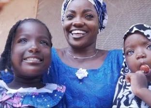 طبيب عن طرد نيجيري لزوجته بسبب عيونها الزرقاء: نقص بالميلانين