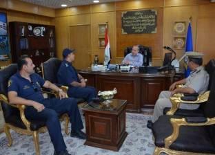 محافظ دمياط يناقش مع مدير الحماية المدنية الاستعدادات لعيد الأضحى