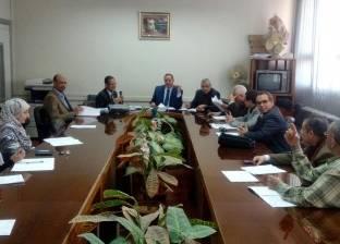 رئيس جامعة سوهاج يترأس اجتماع مجلس إدارة المستشفى الجامعي