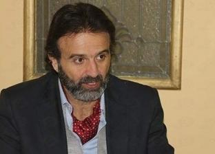 """أيمن عزب: مشاركة الممثل في عمل جديد تحتاج لتصريح من """"المهن التمثيلية"""""""