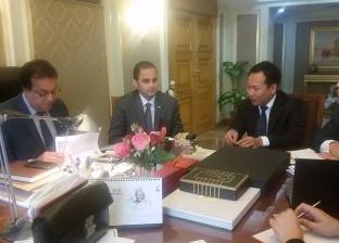 """وزير التعليم العالي يبحث آليات التعاون مع رئيس """"هواوي"""" لتدريب الطلاب"""