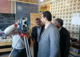 بالصور| مدير التعليم الفني بالغربية يتفقد مدرسة اللاعب محمد صلاح