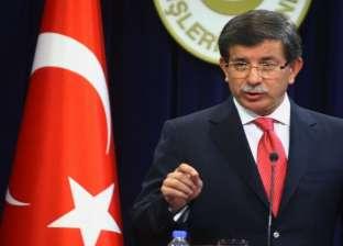 داوود أوغلو: أردوغان انفصل عن شعبه ولا يرى إلا قصره