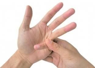 """على عهدة الطب.. """"طقطقة الأصابع"""" لا تسبب """"التهاب المفاصل"""""""