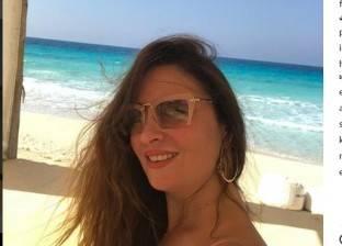 بالصور| نرمين الفقي على شاطئ البحر.. ومتابعوها: ملكة جمال العرب