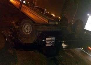 عاجل| مصرع شخص وإصابة 2 إثر انقلاب سيارة أعلى كوبري الدقي