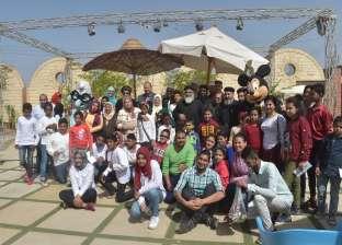 احتفال يجمع أطفال أيتام مسلمين ومسيحيين في دير العزب بالفيوم