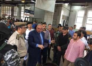 مدير أمن القليوبية يتفقد محطات المترو للتأكد من انتظام الحركة
