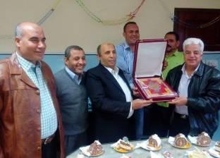 القوى العاملة بجنوب سيناء تكرم مدير إدارة الصحة لبلوغه سن المعاش