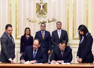 رئيس الوزراء يشهد توقيع عقد مشروع القطار الكهربائي بـ461 مليون دولار