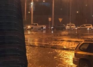 الكويت تتعرض لعواصف رعدية شديدة وأمطار غزيرة