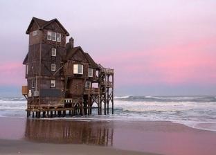 بسبب منزل على الشاطئ.. رجل أعمال أمريكي يواجه عقوبة الإعدام في تايلاند