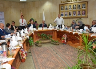 للمرة الأولى.. محافظ أسيوط يشارك في اجتماع مجلس الجامعة الدوري