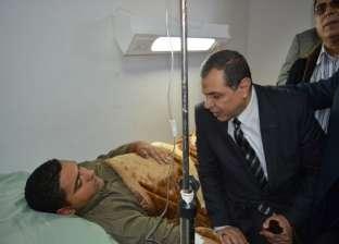 """""""سعفان"""" يزور خطيب مسجد """"الروضة"""" المصاب بمستشفى الحسينية"""
