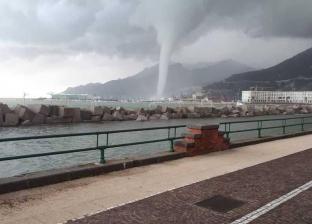 بالصور| إعصار مائي يضرب مدينة ساليرنو الإيطالية