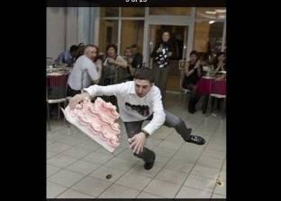 """بالصور  هروب """"تابوت موتى"""".. وسقوط """"عربية بيض"""".. مواقف محرجة حول العالم"""