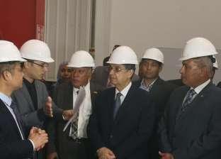 """نائب وزير الكهرباء يستعرض خطط ومستوى الأداء بشركة توزيع """"مصر العليا"""""""