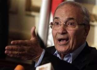 جمال مبارك يقدم واجب العزاء للفريق أحمد شفيق في وفاة شقيقه