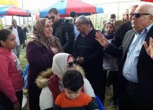 محافظ بورسعيد يلتقي رواد المدينة الرياضية