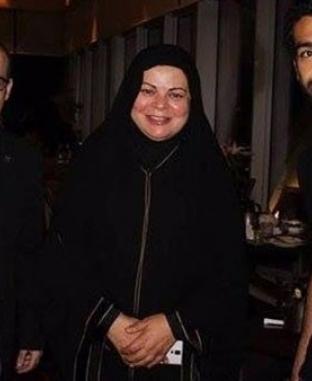 آخرهم أمينة خليل.. مشاهير جمعتهم صور بمحمد صلاح