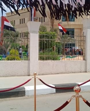 """""""ريد كاربت"""" في استقبال المواطنين أمام لجان تعديل الدستور بالتجمع"""