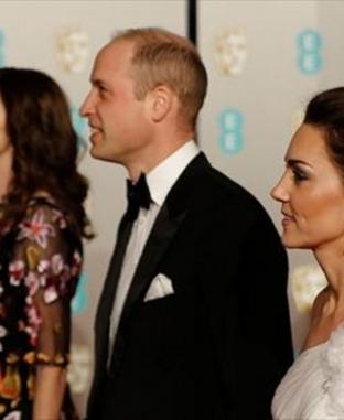 """إطلالات النجوم في حفلة توزيع جوائز """"البافتا"""" بحضور الأمير وليام وزوجته"""