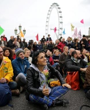 مظاهرات مكافحة تغيير المناخ في عدد من الدول الغربية والإفريقية