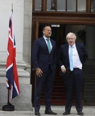 مؤتمر صحفى مشترك لرئيس الوزراء البريطاني ونظيره الأيرلندي