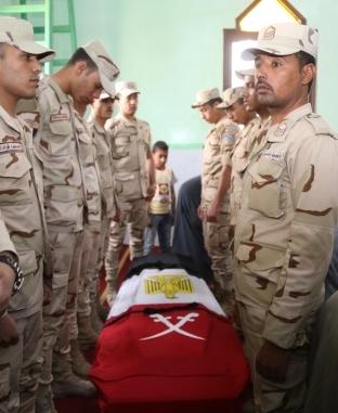 تشييع جثمان شهيد القوات المسلحة في قنا