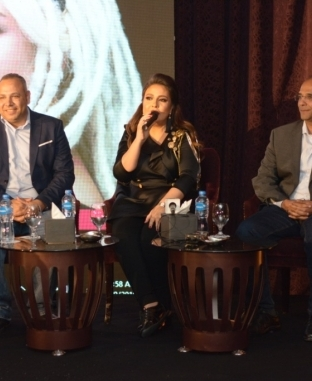 """مؤتمر صحفي لمي كساب للإعلان عن تفاصيل الألبوم الجديد """"أنا لسه هنا"""""""