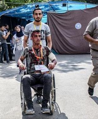 قوافل طبية لعلاج المصابين الفلسطينيين بعد غارات الاحتلال