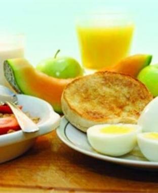 """""""افطر كويس"""".. تجاهل وجبة الإفطار يسبب الجلطات القلبية"""