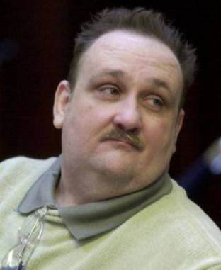"""""""ناثانيل بار يونا"""" مهووس باغتصاب الأطفال وقتلهم ويعتقد أنه أكل لحومهم"""