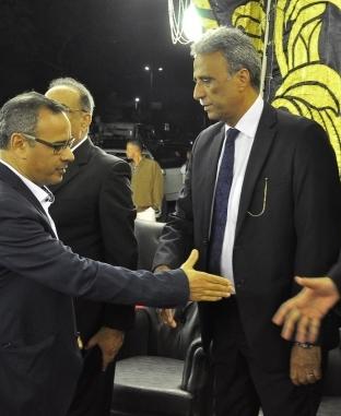 نجوم الفن والسياسة والرياضة في عزاء حمدي قنديل
