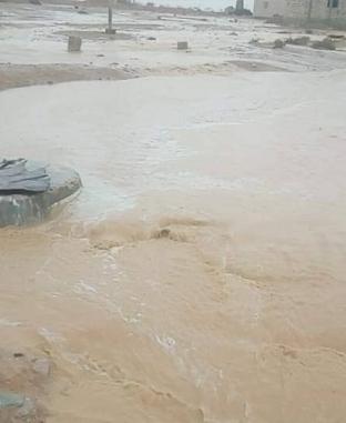 """""""أمطار رعدية وسيول"""".. الطقس السيء يضرب المحافظات"""