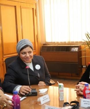 «سعفان» يلتقي أمينات المرأة في قطاع البترول