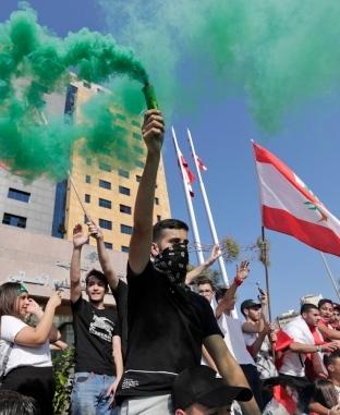 تواصل المظاهرات في لبنان