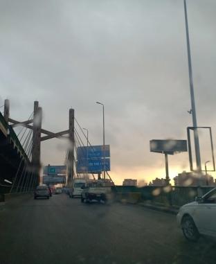 تساقط الأمطار على شوارع القاهرة