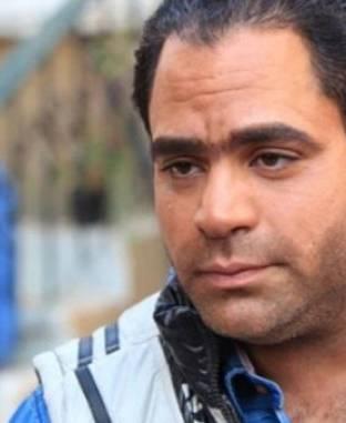 الفنان محمد شاهين: زميلتي بالجامعة ساعدتني في دخول مجال المسرح