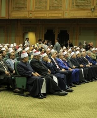 الإمام الأكبر ورئيس مجلس النواب يكرمان أوائل الثانوية الأزهرية