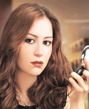 منة شلبي: حياتي مسلسل تشويقي.. وبنافس نفسي دايما