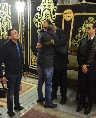 لقطات من عزاء والدة الإعلامي جمال الشاعر بمسجد عمر مكرم