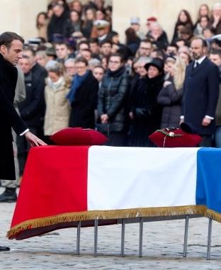 مراسم تكريم رسمية في باريس لجثامين 13 جنديا فرنسيا