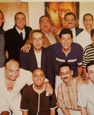 «ضحك وحب وعشرة».. 15 صورة نادرة لعلاء ولي الدين بصحبة أسرته وأصدقائه