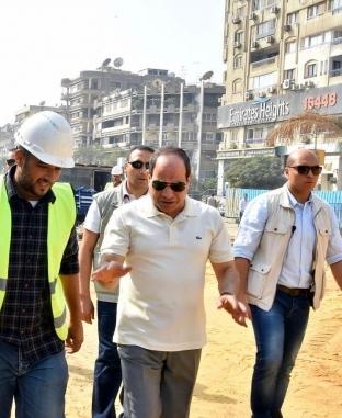 الرئيس يتفقد مشروعات الطرق والكباري بمصر الجديدة