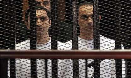 """مصدر قضائي: قرار حبس نجلي """"مبارك"""" مستمر.. وسيحاكمان في دائرة أخرى"""